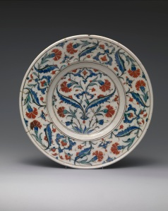 Dish with a design of saz leaves and red carnations